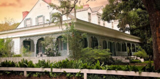 The beautiful Myrtles Plantation in Louisiana is one of the most haunted homes in the U.S. (Photo: Amanda Deville)