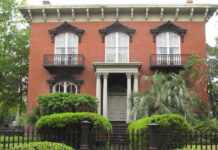The Mercer Williams house, a popular tourist attraction in Savannah, Georgia, belonged to the central character in the book Midnight in the Garden of Good and Evil.