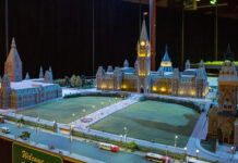 Parliament Hill at night. Every 15 minutes, the display turns day to night.