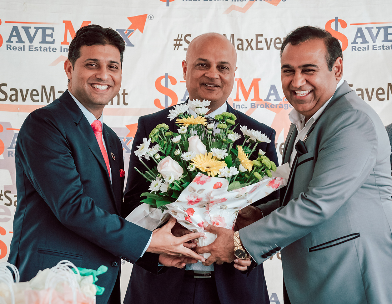 Golden Signature master franchisees Shammi Bawa (left) and Mike Arora (middle) with Raman Dua, CEO of Save Max